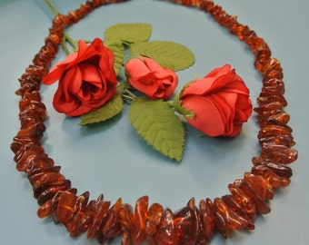 Wonderful 1960s graduated polished real natural organic baltic amber chip bead necklace in marvelous darkbrown colors