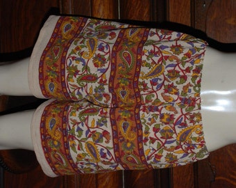 Hippie shorts -  Medium -  Red gold green Pasiley - read Measurements