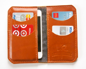 "Leather iPhone Wallet ""The Data"" in Cognac"