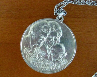 Vintage Sterling Silver Mother's Day Pendant Necklace Franklin Mint 1972