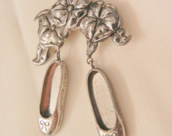 Rare lovely Sterling Reed Barton version of Dorothy's magic Slippers and flower Brooch