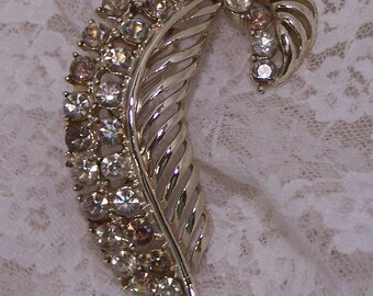 1960's Vintage Gold Clear Rhinestone Swirl Leaf Brooch, Vintage Estate Wedding Bridal Bouquet Jewelry