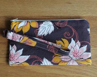 Zipper Wristlet in Your Choice of Fabrics