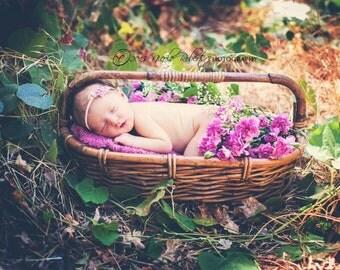 Baby headband..Baby flower headband..Mini flower headband..Petite headband..Flower baby headband..Newborn headband..Lilly Headband