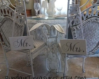 Mr. & Mrs. Wedding Chair Signs / Elegant White Grey GRAY / Photo Prop Rustic Beach  Wedding Wood Sign Decoration / (ref mrmrs)