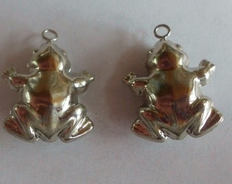 Frogs- Toads- Puffy- Vintage Charms- Silver Plated- Set of 2