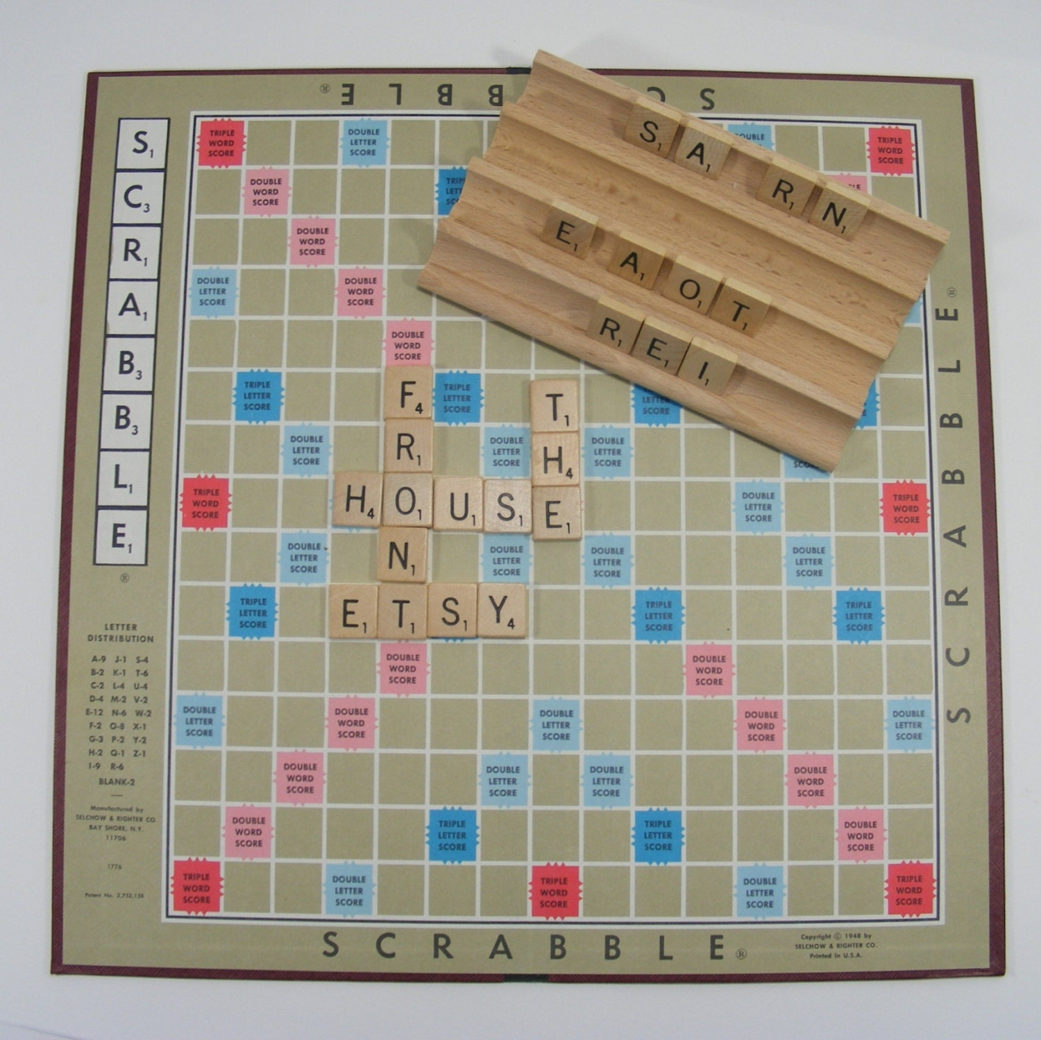 bo te de tuiles de plateau de jeu scrabble vintage 1976. Black Bedroom Furniture Sets. Home Design Ideas
