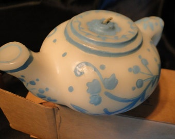 Avon Teapot Candle Gift Collection blue and white