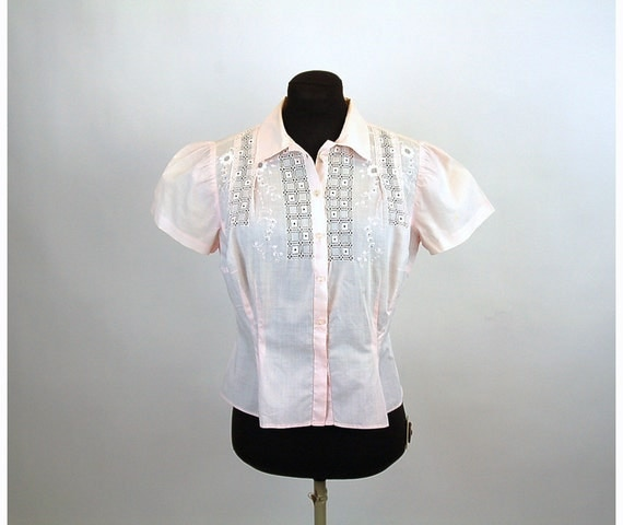 1950s blouse, cotton blouse, pink blouse, open work, cut outs, tatted blouse, pleated blouse, embroidered, puffed sleeves, Size M