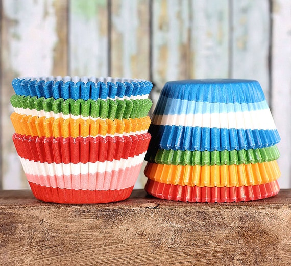 Rainbow Swirl Cupcake Liners, Baking Cups, Cupcake Cases, Muffin Cases, Cupcake Wrappers, Rainbow Party, Cupcake Papers (100 ct)