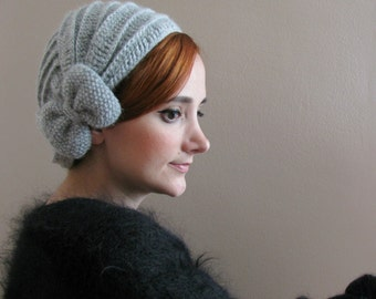 Light Gray Crochet Beret with Bow