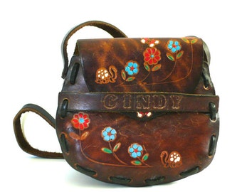Vintage Tooled Leather Flowers Butterflies and Turtles // Cindy Pouch Purse
