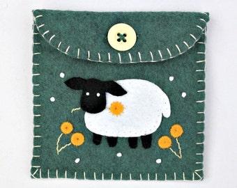 Felt coin purse, handmade felt sheep purse, Irish sheep, St Patricks day gift, small felt purse, felt jewellery case, Irish gift