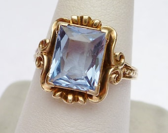 10 kt Synthetic March Birthstone Ring 1930s - 1940s Yellow Gold
