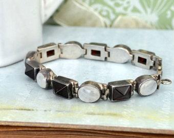 VINTAGE FIND, sterling silver rainbow moonstone and garnet bracelet 925