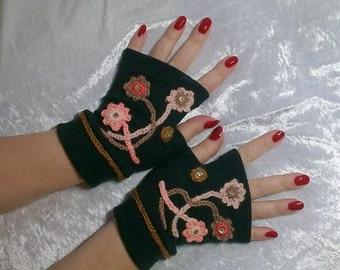Black  Fingerless  gloves  with  embroidery, arm  warmers