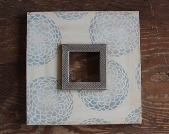 Ombre Meditative Blue Zinnia 5x5 Distressed Frame