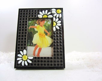 photo frame, mosaic tabltop picture frame, mosaic frame, daisy frame, black white yellow -- mosaic photo frame is Daisy-Fresh  TAGT JillsJoy