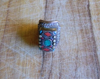 Jewelry. Vintage. 70s Afghanistan Brass Stone Ring // Size 6
