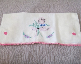 Vintage Ivory Linen Guest Towel with Embroidery and Crochet Edging - Pink Tulip Bouquet