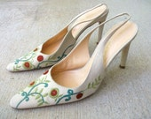 Vintage Richard Tyler Tan Fabric Embroidered Sling Back Pumps Shoes Size 7M