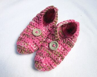 Womens Slippers in Pink Tan and White  Size Small Womens, Pink Houseshoes, Crochet Slippers, Travel Shoes for the Car Ride, Gift for Mom