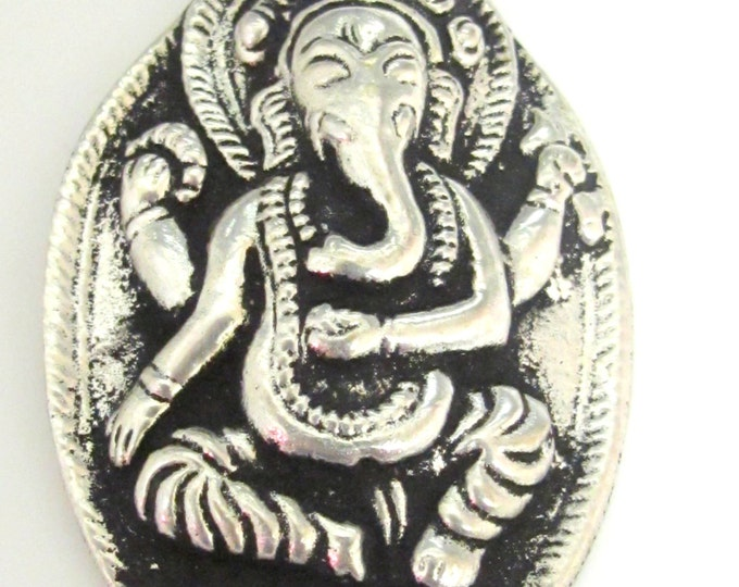 Antiqued silver color Oval shape Ganesha pendant from Nepal - CP014 - custom design copyright Nepalbeadshop