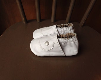 Baby Shoes Snap Shoe White Leather Size 5 Ready to Ship