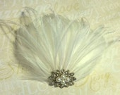 Wedding Vintage Style Bridal Fascinator, white or ivory feather fascinator, CHOICE of jeweled center, hair clip accessory