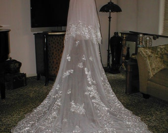 Magnificent  Vintage chapel -length Lace Chiffon Mantilla Bridal Veil