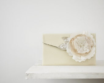 Rustic wedding clutch, bridal purse, bridesmaid gift