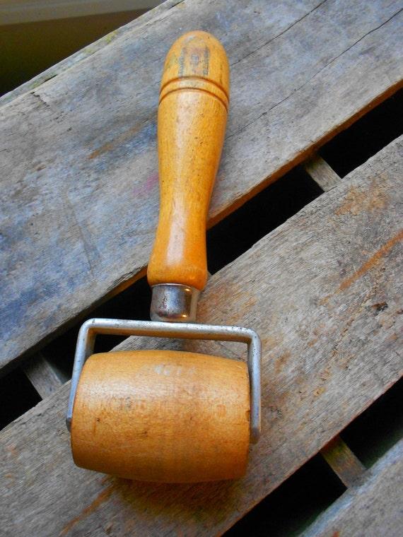 Vintage Wooden 2 Wide Brayer Murray Black Craft