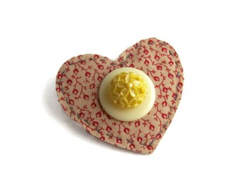 Fabric Heart Brooch, Prairie Jewelry, Heart pin, Vintage Fabric, Western Jewelry, Fiber Heart Brooch, Fiber Jewelry