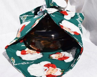 Christmas Santa Claus Merry Christmas Casserole carrier hot dish covered dish potluck carrier and potholder set  Insulated carrier