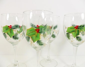 4 Wine Glasses Christmas Holiday Holly Berries Gold Trimmed Hand Painted Set of 2