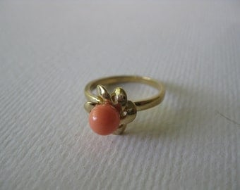 Coral Flower Ring/size 5 ring/flower jewely/vintage ring