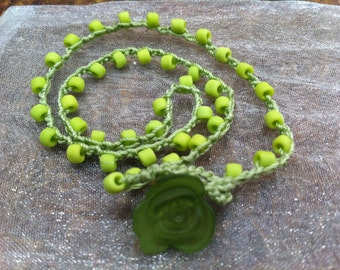 Best Birthday Girl Present Necklace Age 3 to 9 Years Lime Green Acrylic Flower Closure Funky Fashionable young female age appropriate
