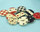 Wooden Buttons - Mix and Match Colorful Beach Life 10 Wooden Buttons. 0.71 inch