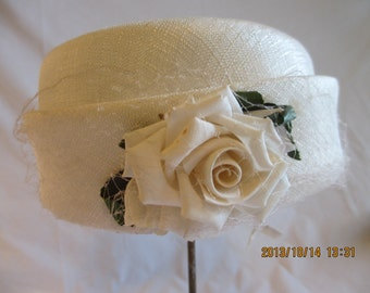 Vintage White Ladies Hat