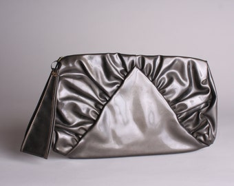 50s Patent Leather Pewter Handbag - Vintage 1950s Clutch - Olympic Creation - Wrist Strap