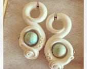 "IVORY Detailed Romancing the Stone ""Fakers"" Faux Gauged Earrings"