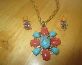 VINTAGE COSTUME JEWELRY  / Necklace and earrings  / clearing out sale