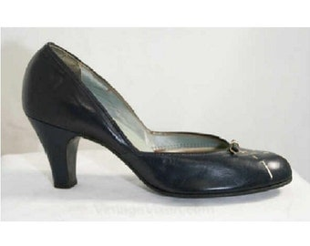 Size 6 Navy Shoes - 50s Dark Blue Leather Pumps with Stitched Bow - 6A Pumps - Spring - New Old Stock -  Foot Flairs - Deadstock - 39597-1