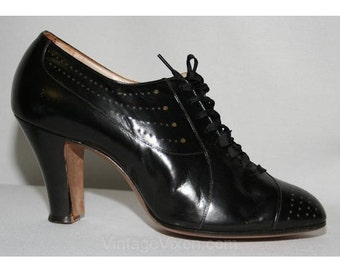 Very Chic 1930s Black Pierced Leather Pumps - Size 5 - Shoes - High Heels - Lace Up - Slender Line Featherlite Shoes- Deadstock - 28447-1