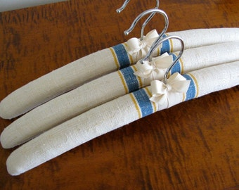 Padded Hangers, Linen Hangers, Linen Covered Hangers, Vintage Linen Hangers, Linen Clothes Hangers, Linen Hanger Set of 3, Vintage Linen