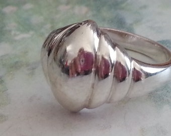 Vintage Sterling Silver Ring 925 Ladies Fluid Statement Piece Women Size 7 Shrimp Ring