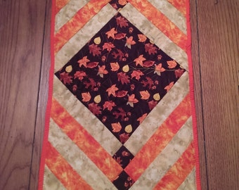 Fall Leaf Table Runner