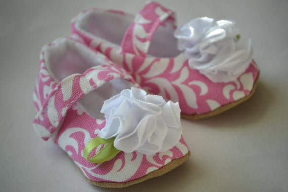 pink baby shoes, damask baby shoes, baby girl maryjanes