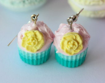 Shabby chic gradient turquoise-pink cupcake earrings
