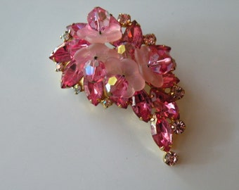 D & E Juliana Pink Rose Frosted petals flower brooch, pin.